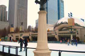 Millenium_Park_Ice_skating_by_the_Bean1[1]